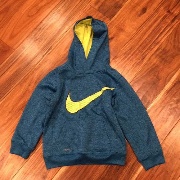 Nike Other - Nike Therm Fit Boy's Sweatshirt Size 6